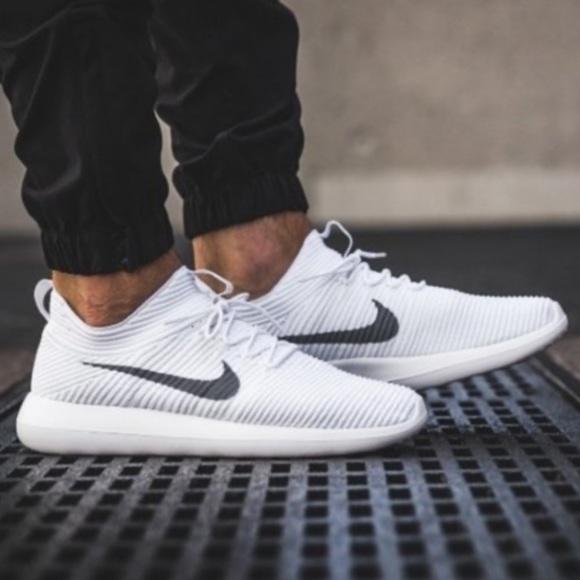 White Nike Mens Roshe Two Flyknit V2 Shoe!!